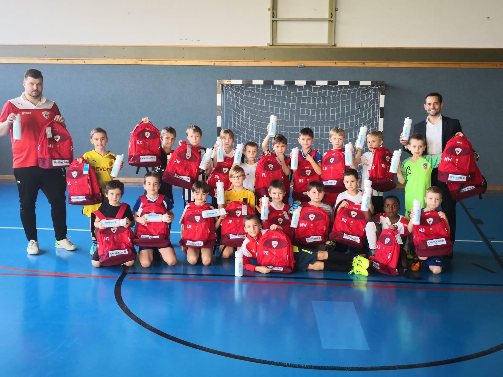 Sparkasse sponsert U9 Kicker